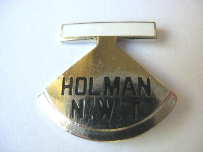NORTHWEST TERRITORIES TOWN LAPEL PIN - HOLMAN