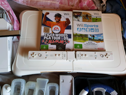 Wii with accesories