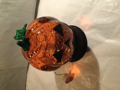 Halloween Light Up Glitter Pumpkin Water Globe