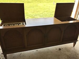 Antique stereo/record player table