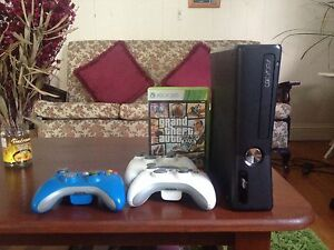 XBOX 360 + GAMES + 3 CONTROLLERS Fortitude Valley Brisbane North East Preview