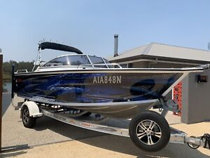 Stacer 539 easy rider with evinrude 130 hp etec