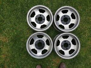 """Light-weight mags - good condition - made in SA. 14 x 6"""" 4 x 114.3"""