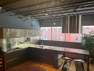 -Linea Quattro Italian cabinetry/ Kitchen/ cooktop/ BRAND NEW