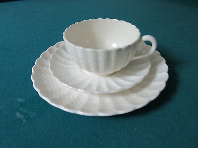 Chelsea Wicker by Spode, Embossed Basketweave, Scalloped, TRIO CUP SAUCER PLATE