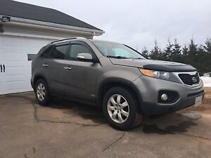 2012 Kia Sorento awd (trade for truck)