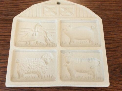 Pampered Chef Stoneware Cookie Mold Farmyard Friends 1994 USA