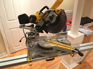 Compound Sliding Mitre Saw and Stand
