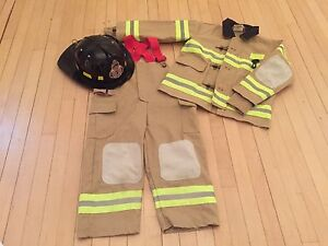 Size 3-4 firefighter costume outfit.