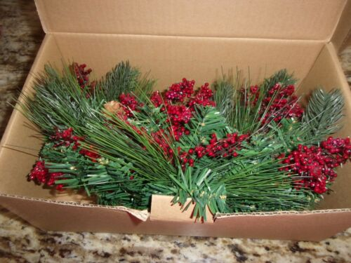 LONGABERGER HOLIDAY GARLAND FLORAL SWAG NEW IN BOX