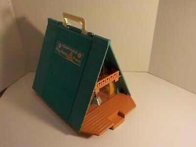 N Vintage 1970s Fisher Price Play Family A-FRAME CABIN HOUSE Clean