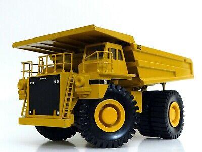 Conrad Modelle 1:50 Scale Model 2725: CAT Caterpillar 789 Off-Highway Truck, Box