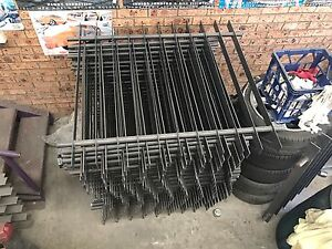 30 mesters of fencing comes with mounting brackets Cartwright Liverpool Area Preview