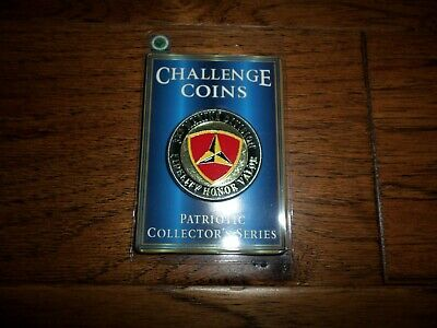 U.S MARINE CORPS 3rd DIVISION CHALLENGE COIN NEW IN PACKAGE COLLECTOR'S SERIES - Marine Division Challenge Coin
