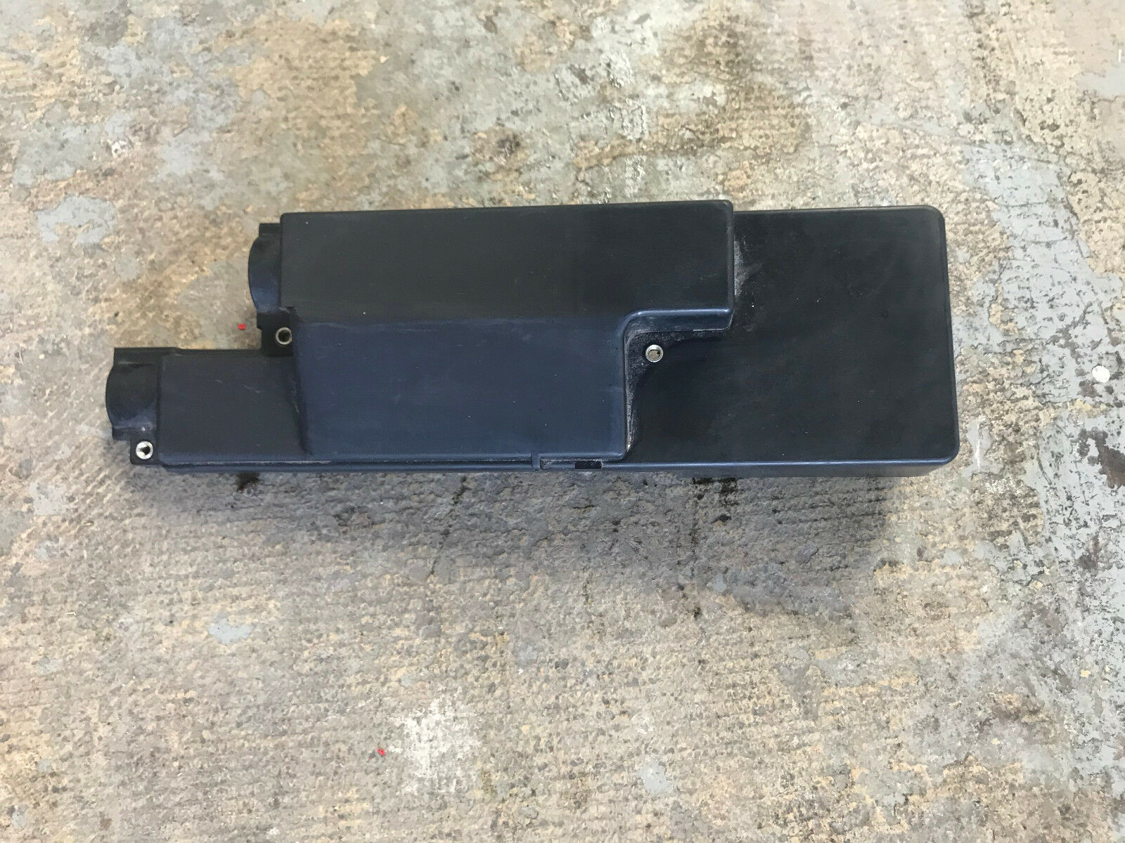 Used Bmw 2002 Safety And Security For Sale E46 Ecu Fuse Relay Box Oem 1996 Z3 Engine Dme Cover Lid Pan