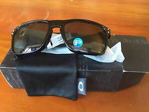 OAKLEY SUNGLASSES - Holbrook Grey Polarised Arncliffe Rockdale Area Preview