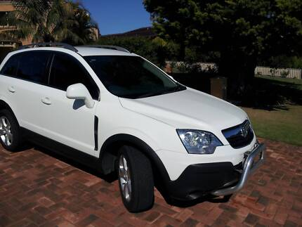 CAPTIVA 5 MAXX 4x4 SPORTS WAGON LOW KMS Kingsley Joondalup Area Preview