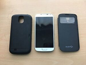 Unlocked Samsung Galaxy S4 with 2 cases