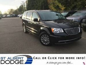 2016 Chrysler Town & Country Touring | HEATED LEATHER | BACK CAM
