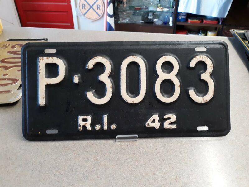 1942 Rhode Island License Plate - # P▪︎3083