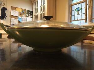 Le Creuset wok with lid
