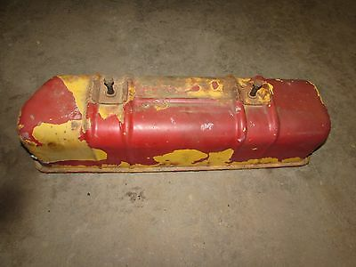 International 574 Tractor C200 Gas Engine Valve Cover