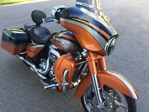 2011  Harley Davidson cvo streetglide