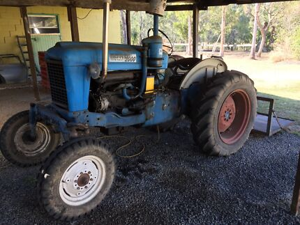Ford 2000 diesel tractor Walloon Ipswich City Preview