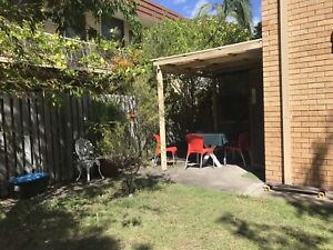 Sunny and quiet room in Surfer Paradise, for couple or single