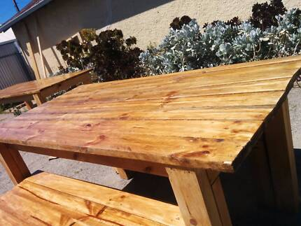 PALLET FURNITURE - Rustic Kitchen/dinning/Outdoor Table 1.6m