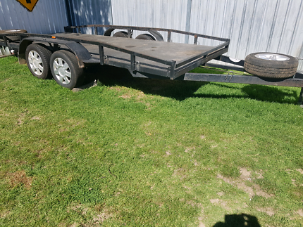 2016  car trailer  ( MAY SWAP )