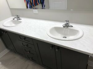 Double sinks and laminate counter top