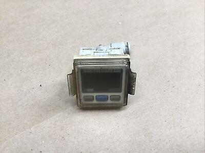 Smc Ise30-t1-25-m Pressure Switch 1016i46ad