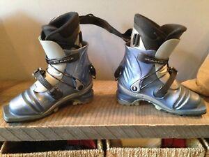 Scarpa telemark t2 women's ski boot size 7ish