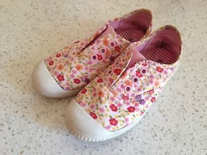 Shoes for a girl, size 10