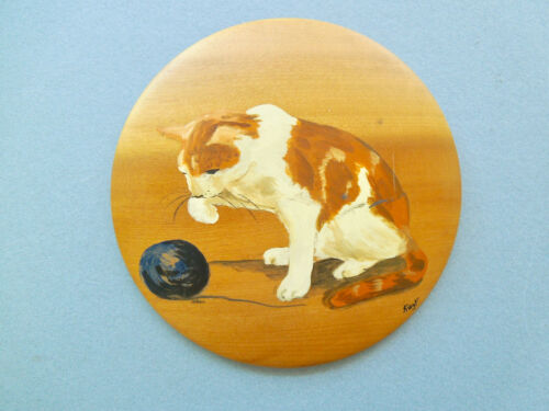 """CALICO PUSSY CAT by KAY F on a 6 ½"""" DIAMETER MYRTLEWOOD DISC - ORIGINAL ART!!"""