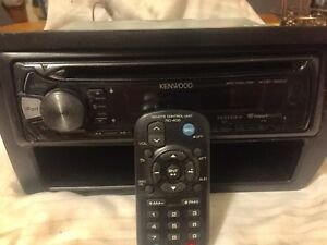 Kenwood CD mp3 aux I pod/ phone USB aux I heart radio pandora