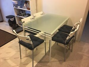 *NEW PRICE* IKEA GLASS TABLE WITH 6 CHAIRS