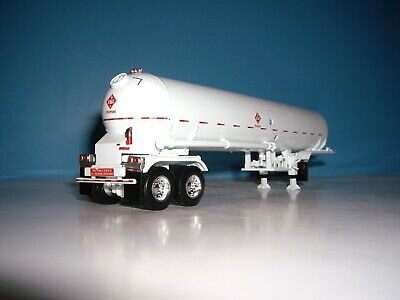 DCP FIRST GEAR 1/64 WHITE WITH WHITE FENDERS MISSISSIPPI  PROPANE TANKER 1