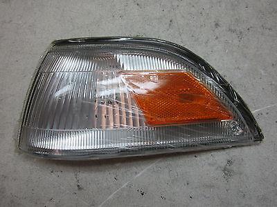 nn705421 Toyota Corolla Sedan 1988 1990 1992 LH Corner Turn Light Aftermarket