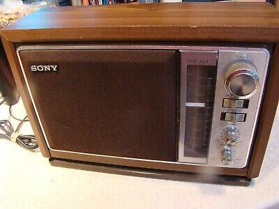 VINTAGE Sony Table Radio Model #:ICF-9740W AM/FM Radio Tested works & looks nice