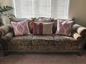 Living room 3 sofa set with 2 side tables and coffee table
