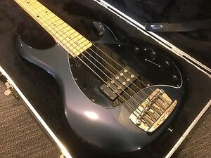 Musicman Stingray 5 String 2004 in Great Used Condition Sunnybank Hills Brisbane South West Preview