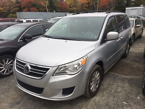 2009 VW Routan Van, new MVI