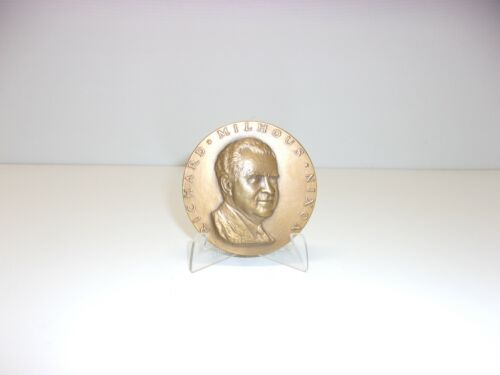 """Richard Nixon bronze 1969 inaugural presidential 2.75"""" medal coin with stand"""