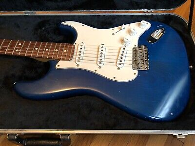 2002-2005 Fender Highway One Stratocaster Sapphire Blue Transparent USA w/case