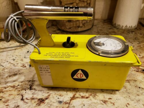 $ 12 - Geiger Counter Victoreen Cdv-700