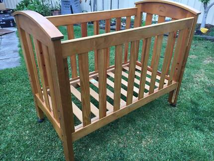 Gro-Years Timber Cot