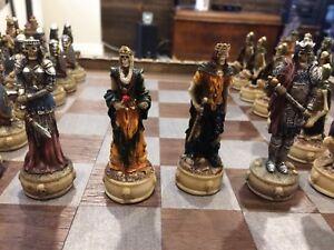 Très beau jeux d'échec médiéval/squelettique The Chessmen