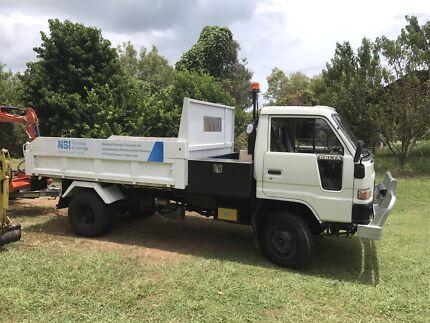 Mini Excavator tipper truck combo